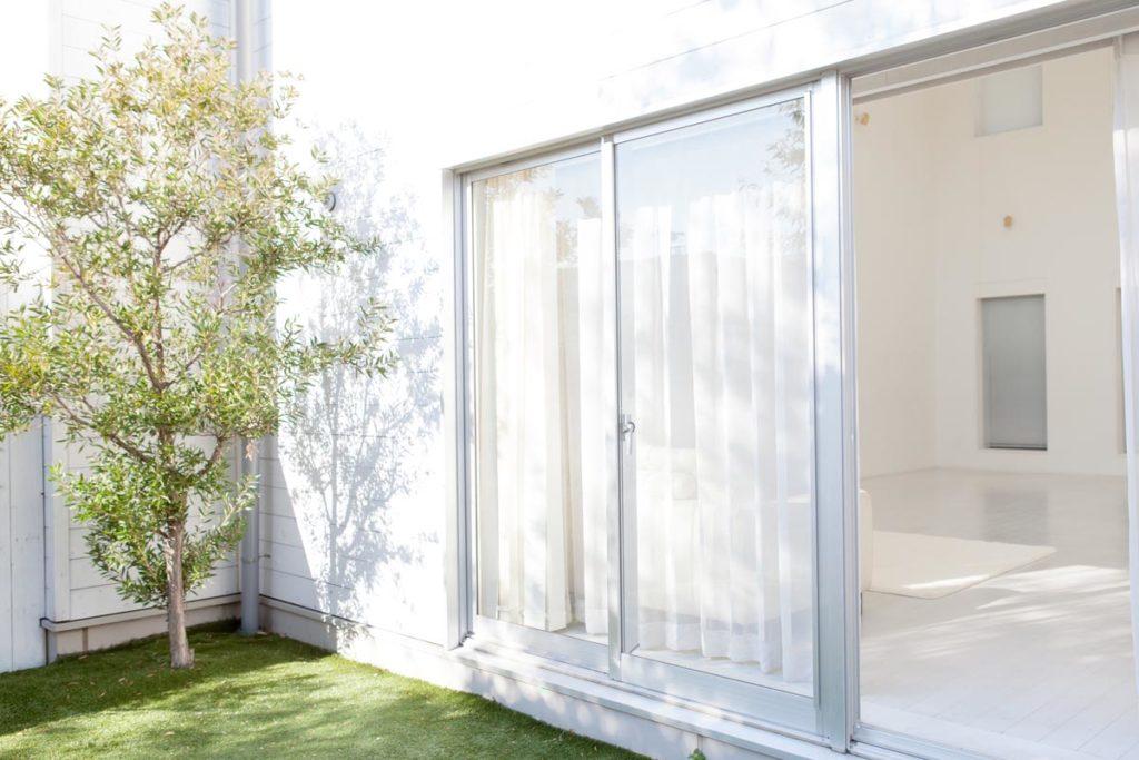 窓の断熱で冬の電気代を節約!結露対策にもなる断熱方法って?②